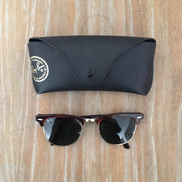 6fed0ff5aacb8 Ray-Ban Clubmaster Classic Tortoise Sunglasses. M 5a9f2f58f9e5010547a86448